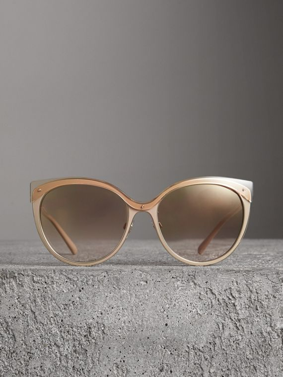 Two-tone Cat-eye Frame Sunglasses in Light Brown - Women | Burberry - cell image 3