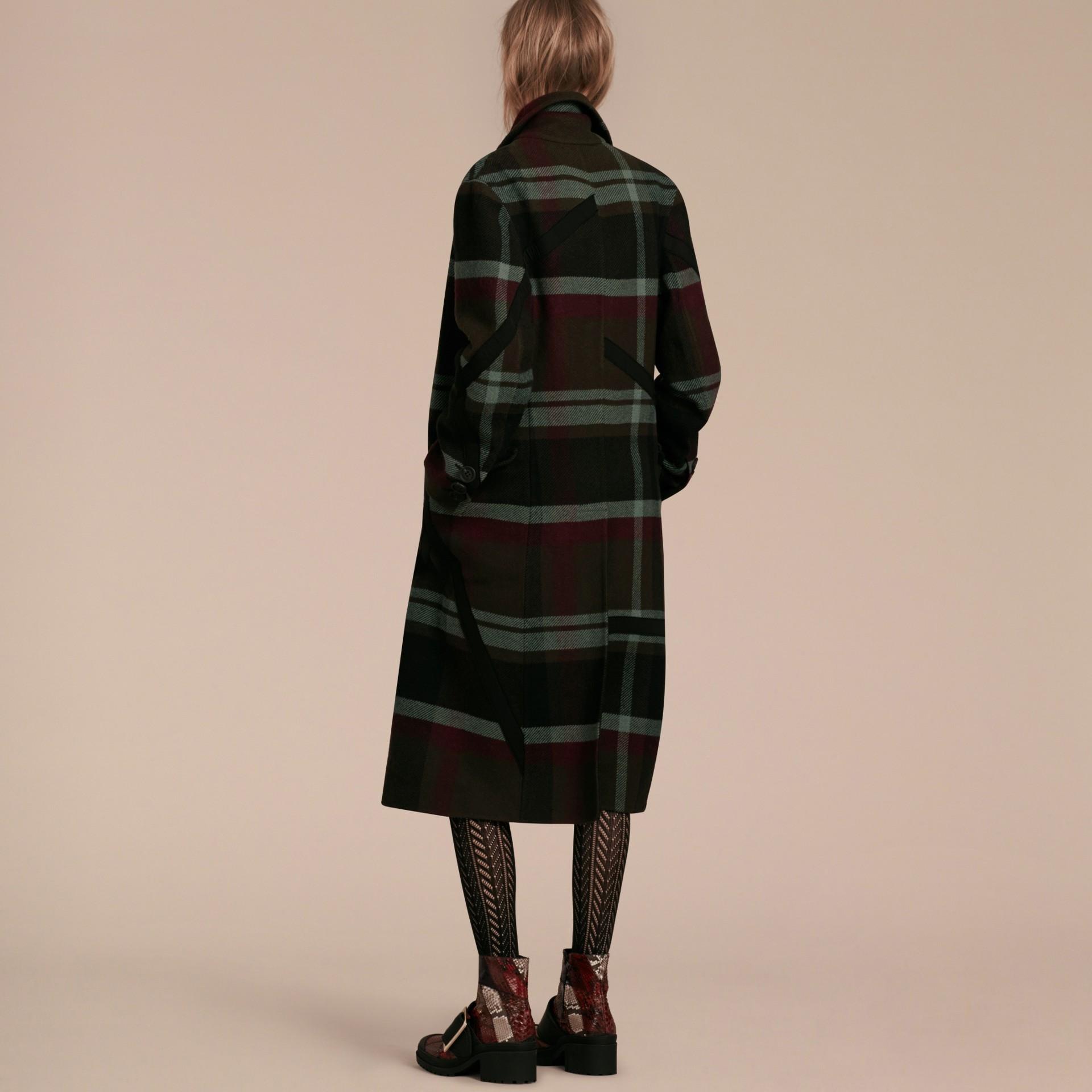 Vert militaire Manteau non doublé à double boutonnage en laine tartan - photo de la galerie 3