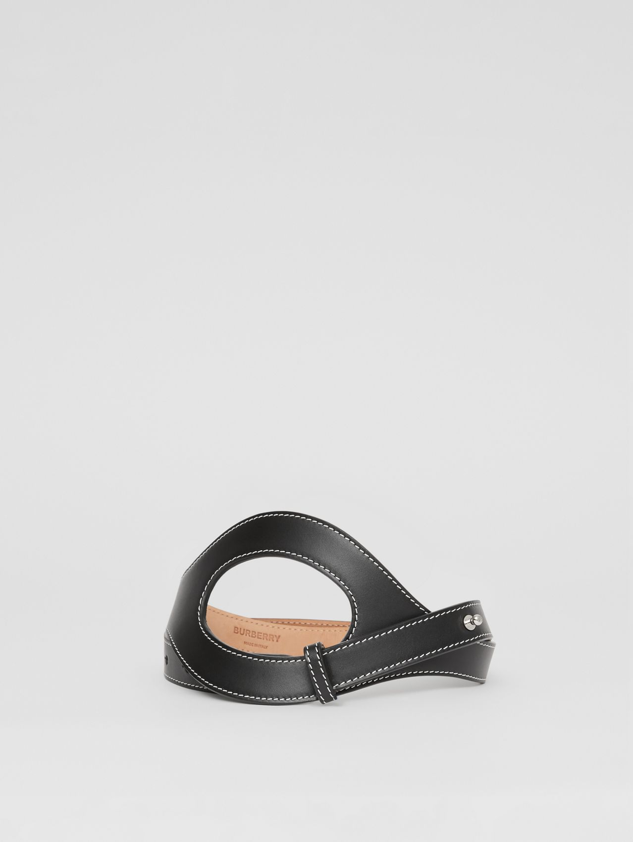Cut-out Detail Topstitched Leather Belt in Black