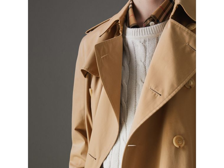 The Kensington Heritage Trench Coat in Honey - Men | Burberry - cell image 4