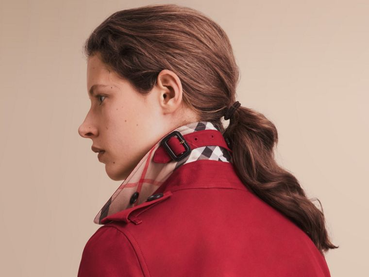 The Kensington – Trench Heritage mi-long (Rouge Parade) - Femme | Burberry - cell image 4