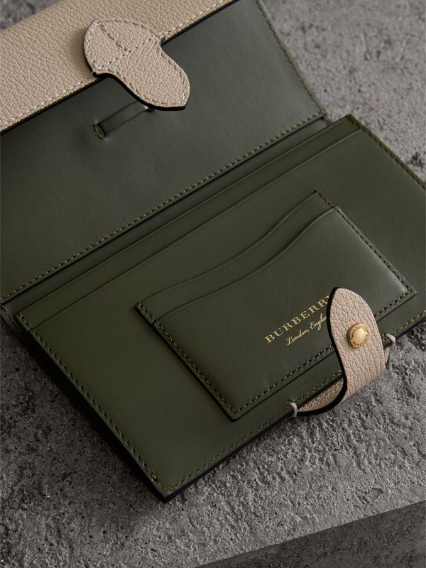 Equestrian Shield Two-tone Leather Continental Wallet in Stone - Women | Burberry Canada - cell image 3