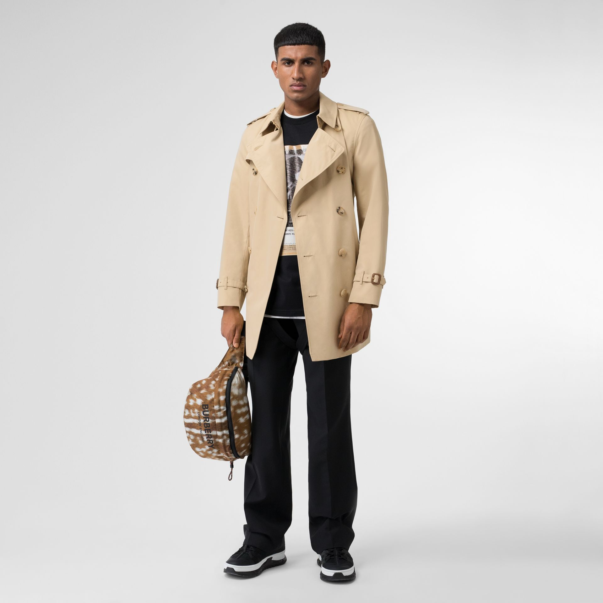 Short Chelsea Fit Trench Coat in Honey - Men | Burberry Canada - gallery image 0