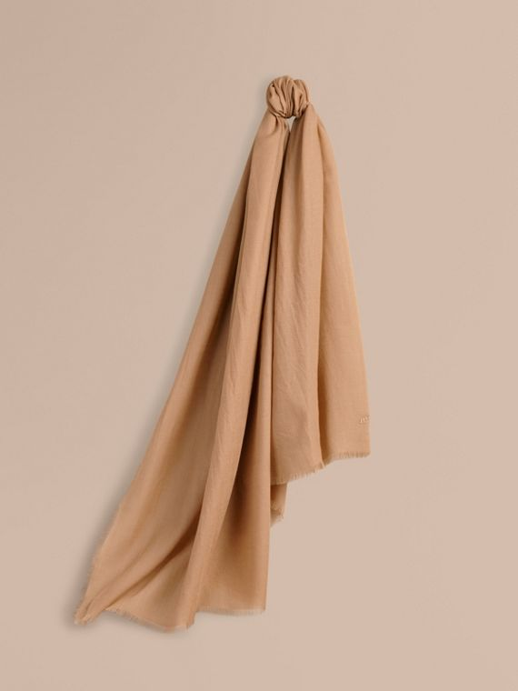 The Lightweight Cashmere Scarf Camel