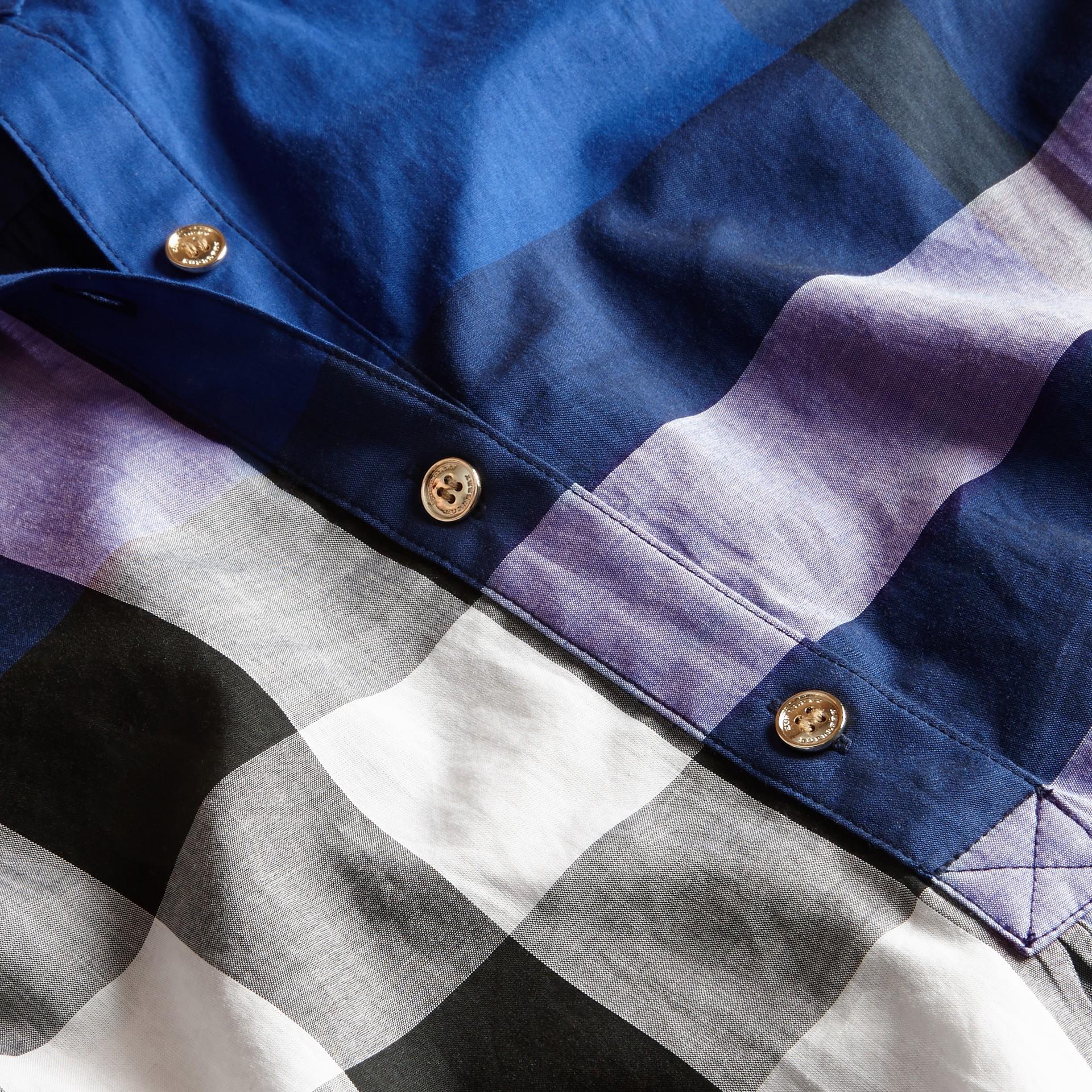 Glänzendes blau Hemdkleid aus Baumwolle im Karodesign Glänzendes Blau - Galerie-Bild 2