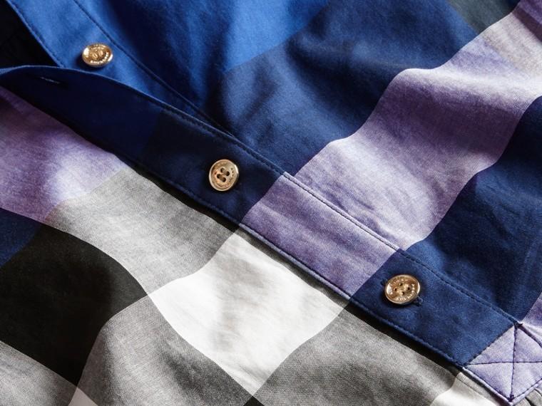 Glänzendes blau Hemdkleid aus Baumwolle im Karodesign Glänzendes Blau - cell image 1