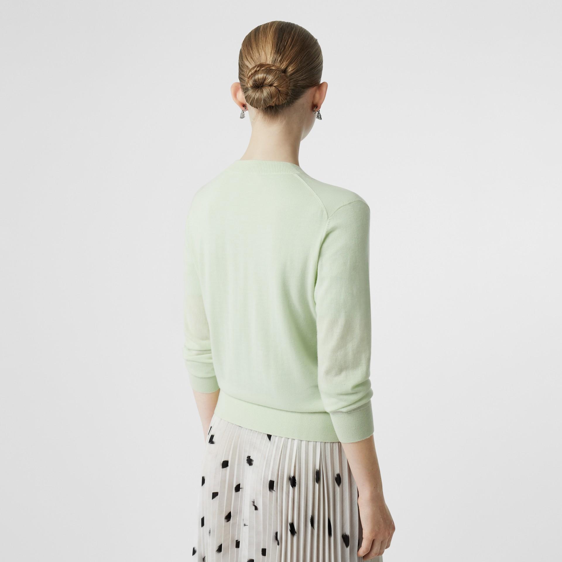 Кардиган из кашемира с монограммой Burberry (Фисташковый) - Для женщин | Burberry - изображение 2