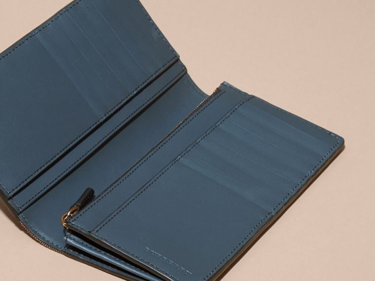 House Check and Grainy Leather Continental Wallet Storm Blue - cell image 4