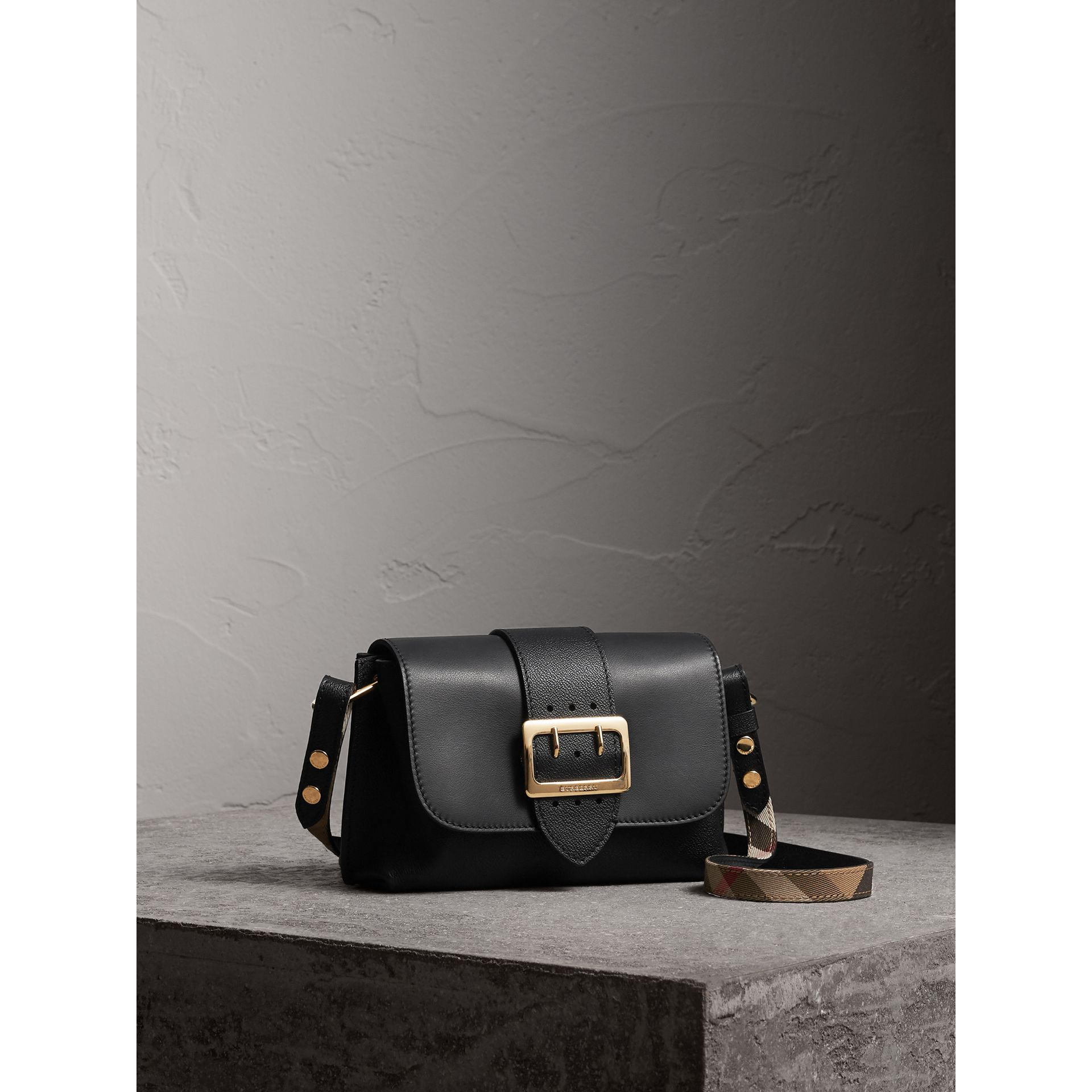 The Buckle Crossbody Bag aus Leder (Schwarz) - Damen | Burberry - Galerie-Bild 6