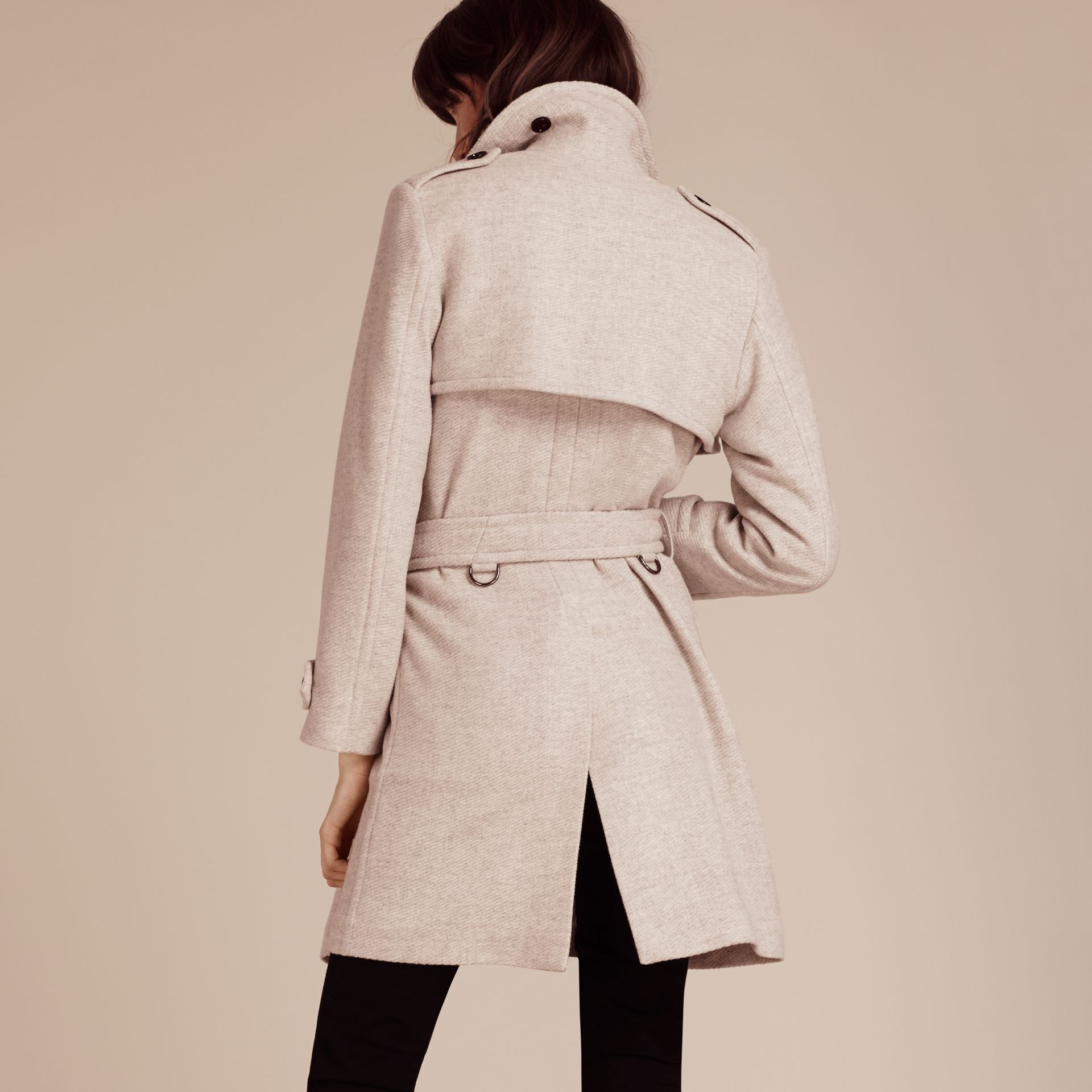 Blanc/gris Trench-coat portefeuille en cachemire - photo de la galerie 3