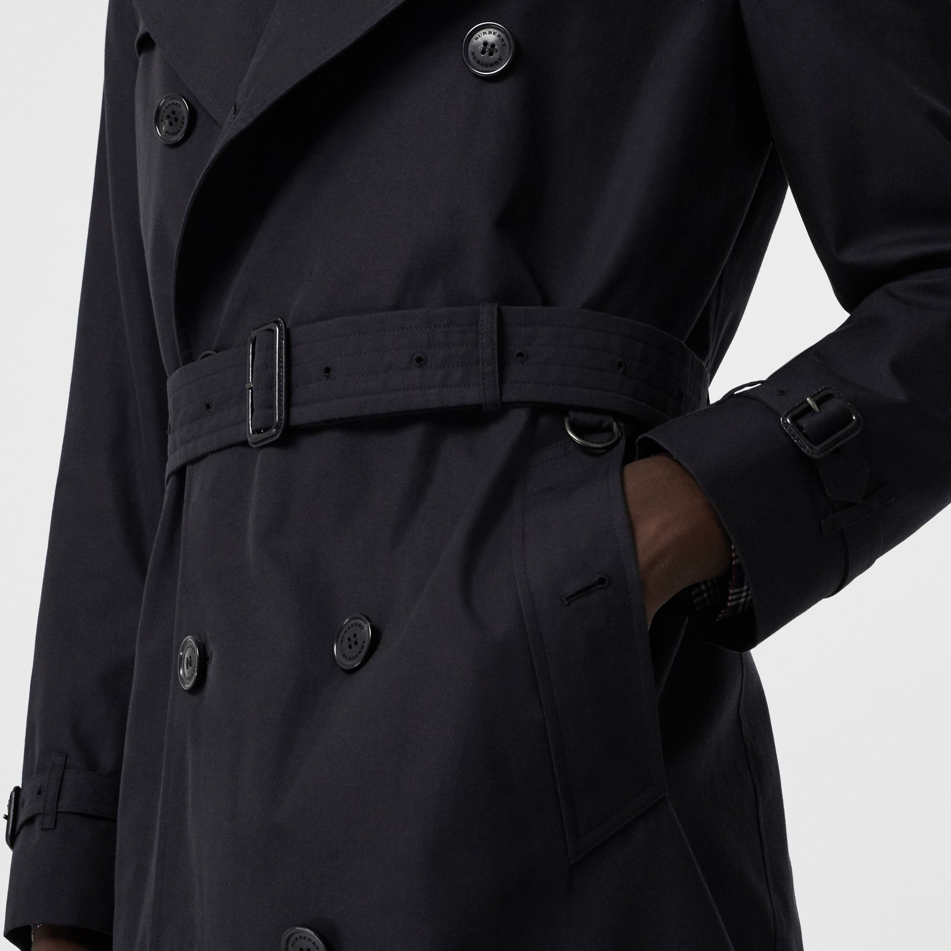 Archive Logo-lined Cotton Gabardine Trench Coat in Midnight - Men | Burberry Canada - gallery image 5