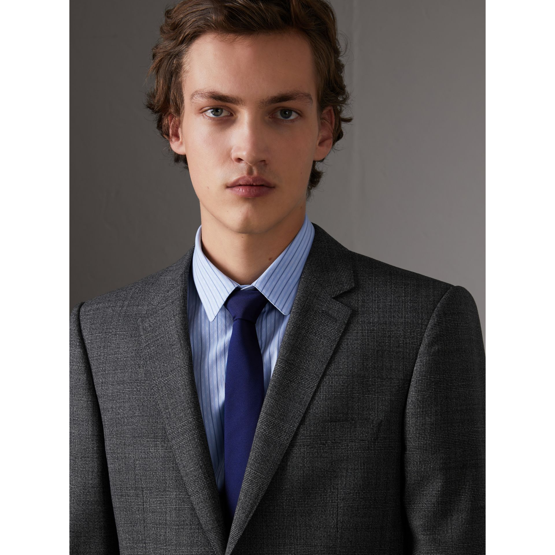 Slim Cut Check Silk Twill Tie in Navy - Men | Burberry Canada - gallery image 2