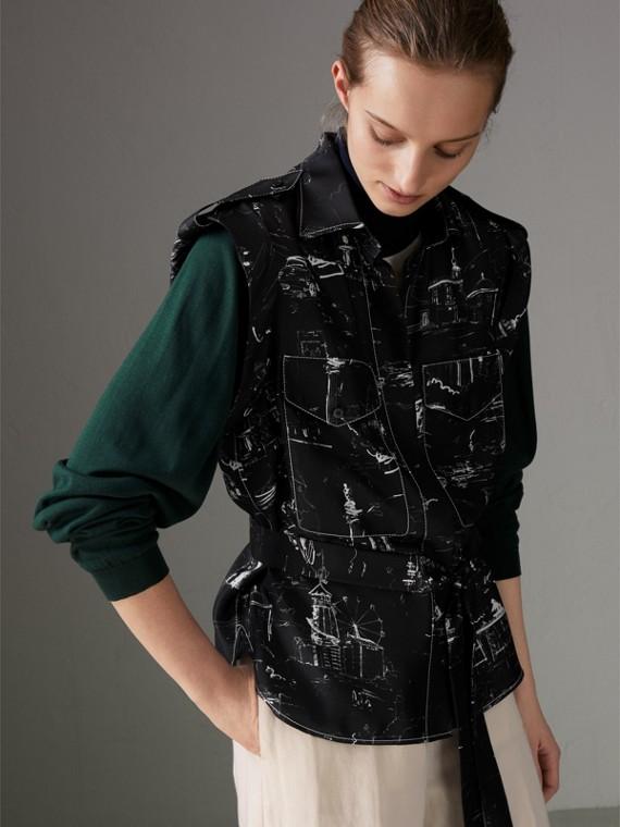 Camisa em seda sem mangas com estampa Landmark (Preto)