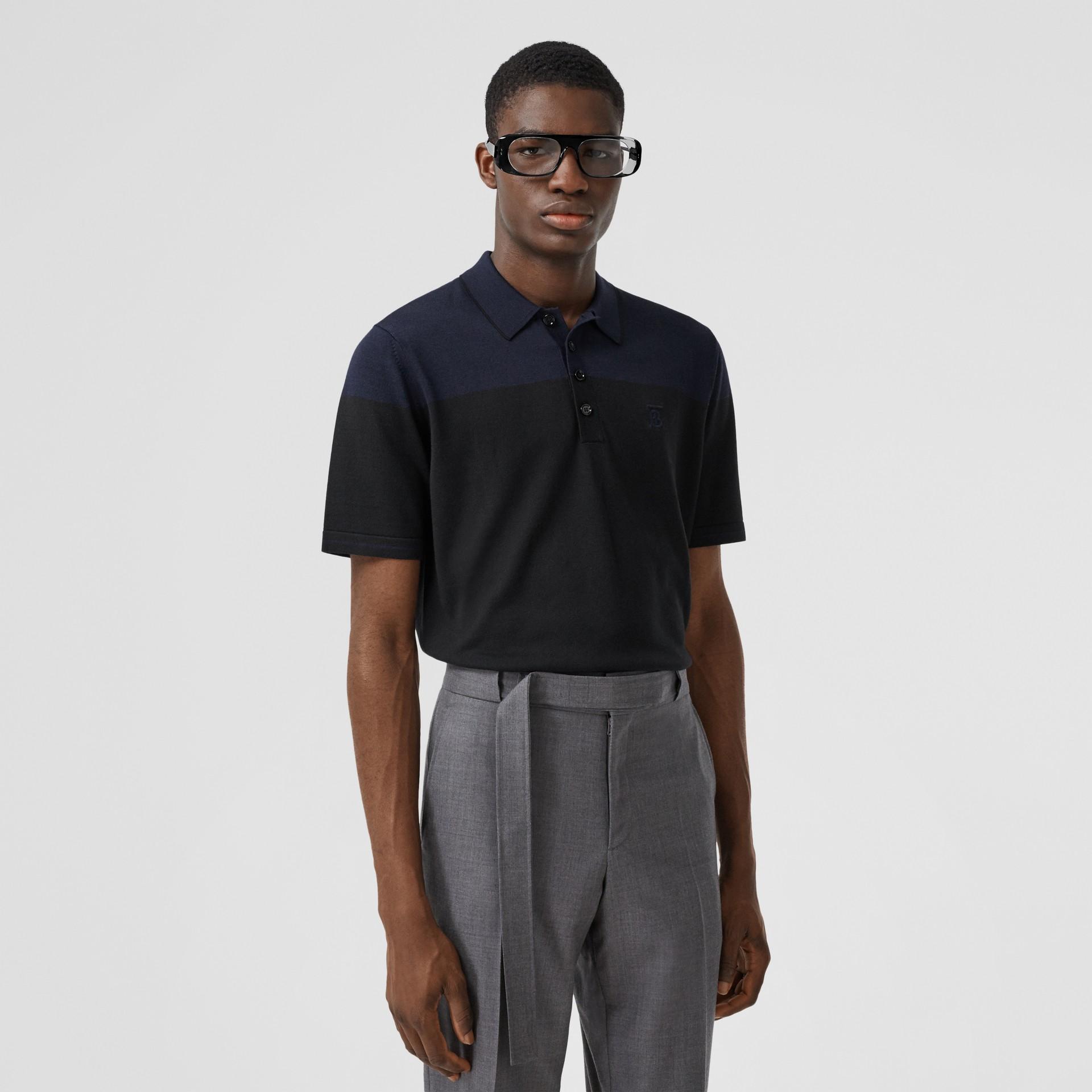 モノグラムモチーフ ツートン シルクカシミア ポロシャツ (ブラック/ネイビー) - メンズ | バーバリー - ギャラリーイメージ 0