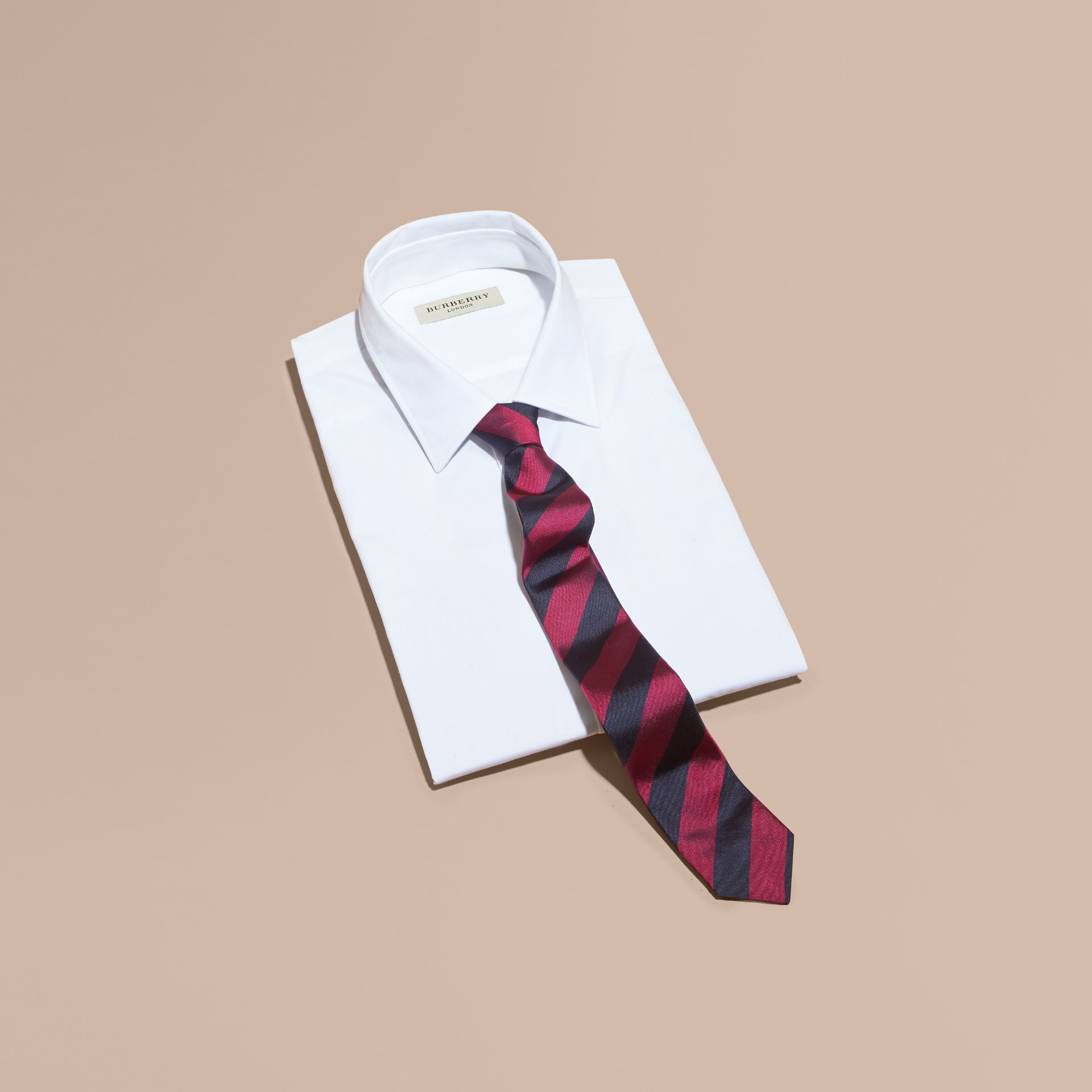 Fuschia Slim Cut Stripe Jacquard Silk Tie Fuschia - gallery image 1