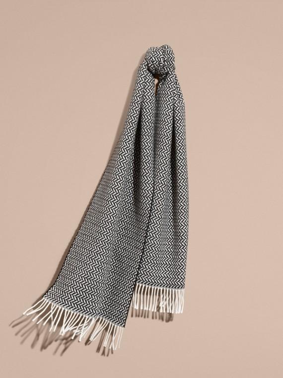 Cachecol volumoso de lã e cashmere em trama espinha de peixe