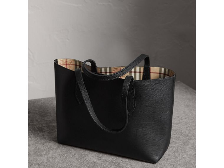 The Small Reversible Tote in Haymarket Check and Leather in Black - Women | Burberry United Kingdom - cell image 4