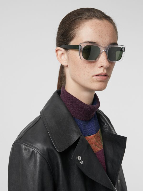 Square Frame Sunglasses in Crystal - Women | Burberry Hong Kong - cell image 2