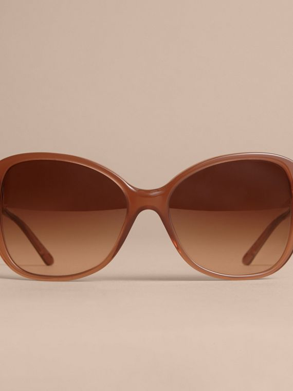 Check Detail Butterfly Frame Sunglasses Nude - cell image 2