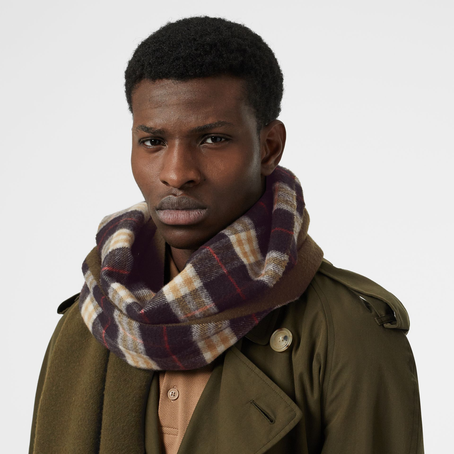 Colour Block Vintage Check Cashmere Scarf in Antique Green | Burberry Australia - gallery image 3