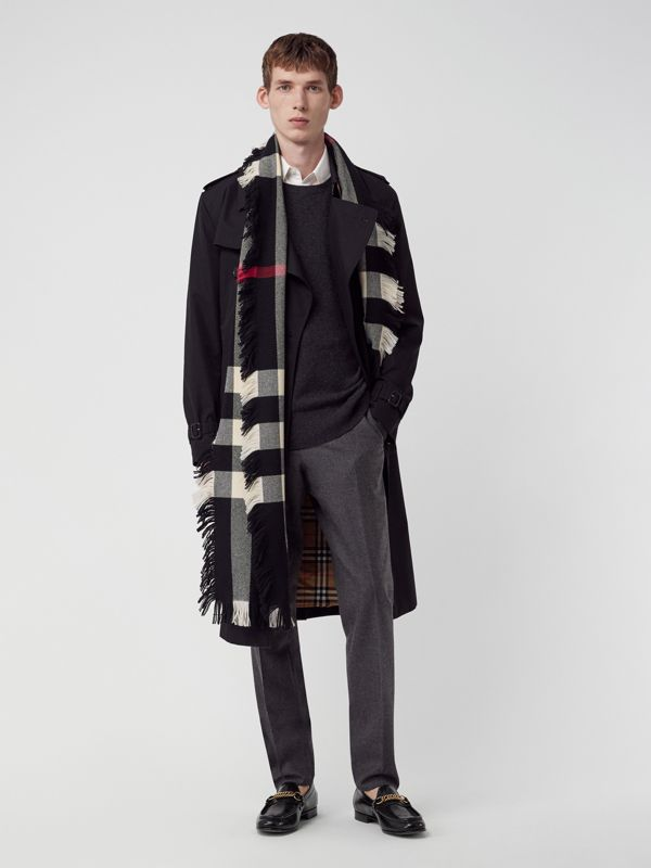 Fringed Check Wool Scarf in Black | Burberry Singapore - cell image 3