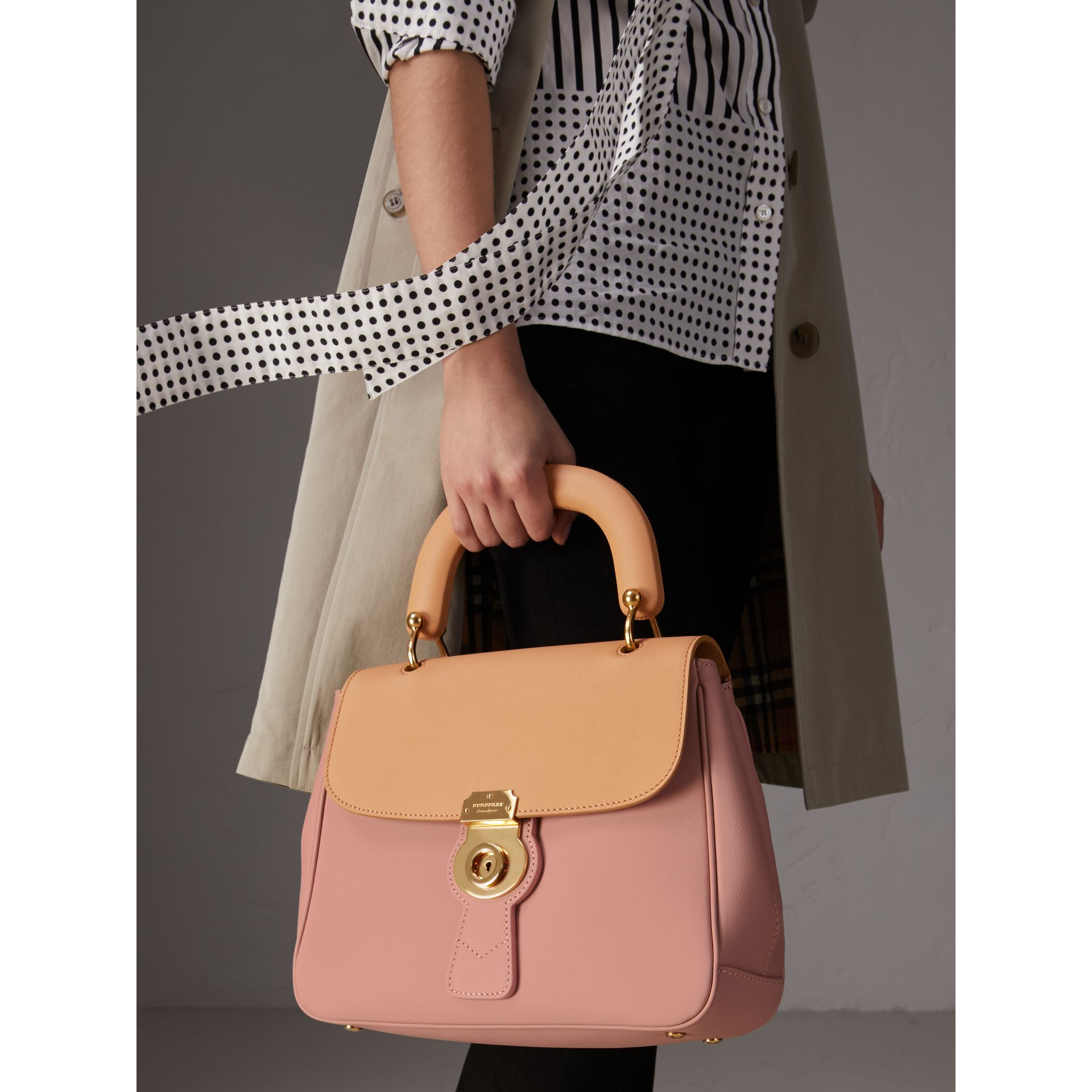 The Medium DK88 Top Handle Bag in Ash Rose/pale Clementine - Women | Burberry Singapore - gallery image 2
