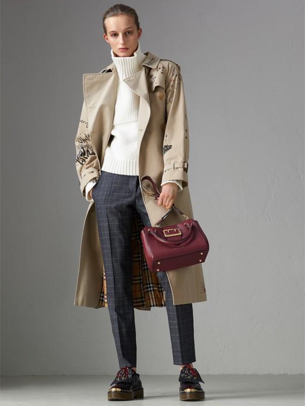 Bolsa tote Buckle de couro granulado - Pequena (Ameixa Escuro) - Mulheres | Burberry - cell image 2