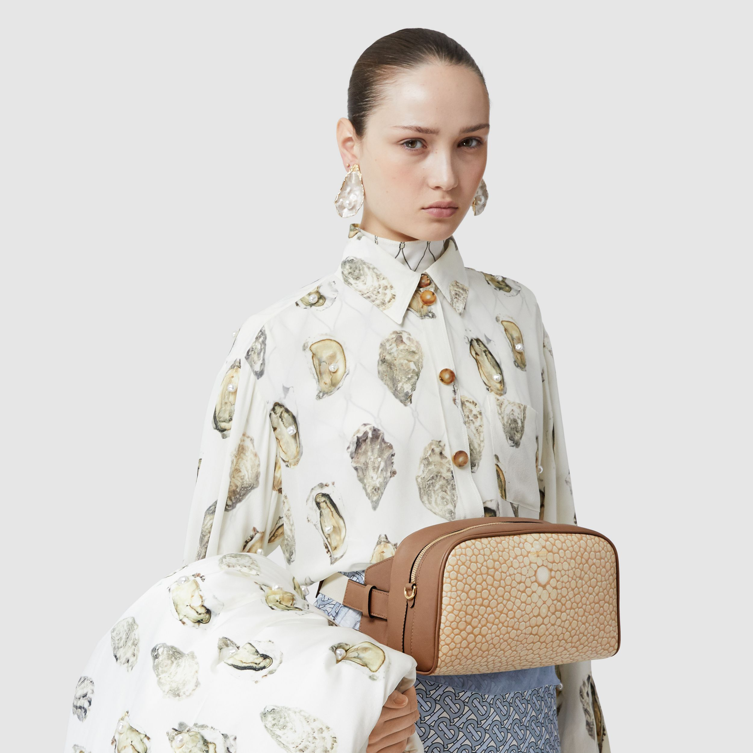 Fish-scale Print and Leather Cube Bum Bag in Light Sand - Women | Burberry - 3