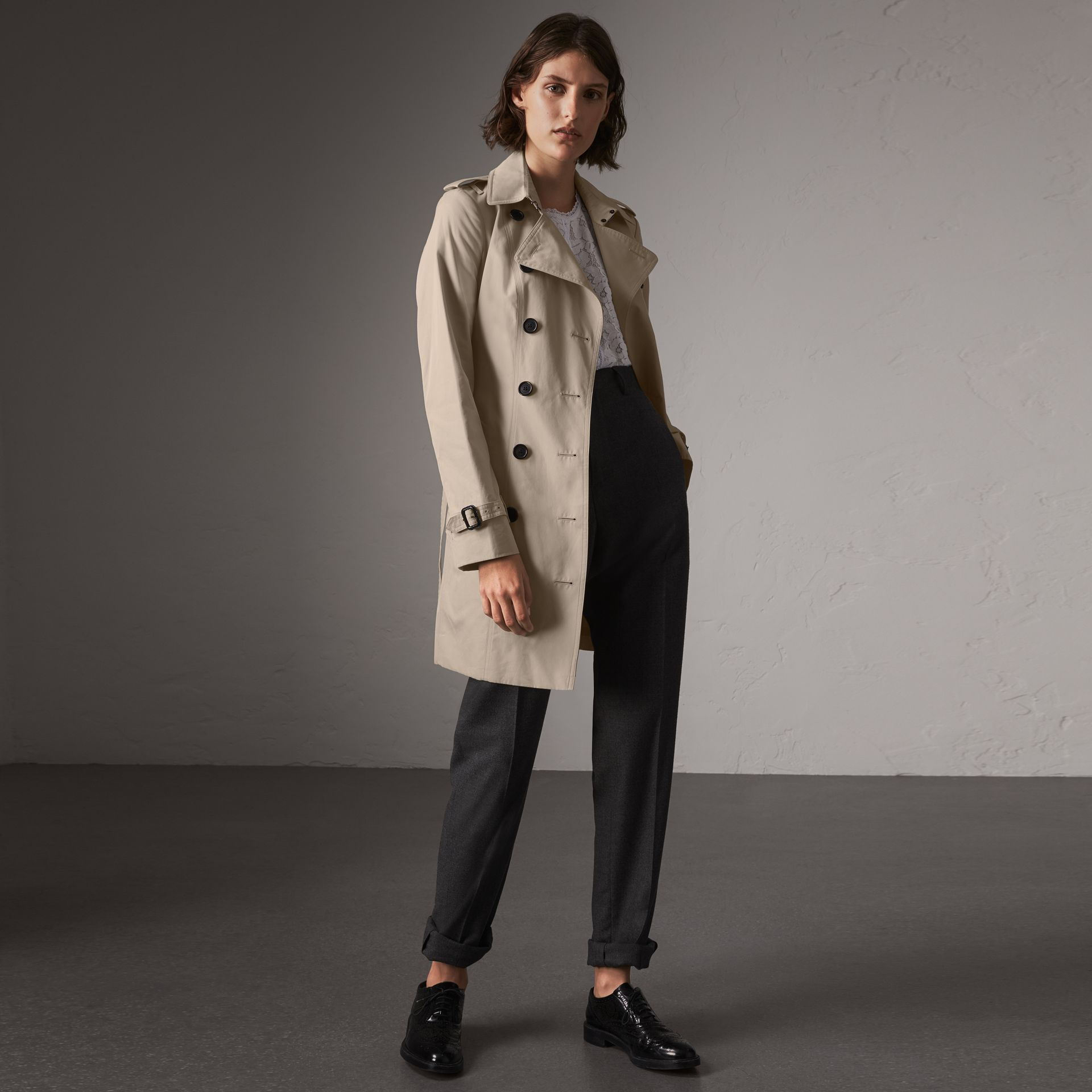 The Sandringham – Mid-length Trench Coat in Stone - Women | Burberry - gallery image 0