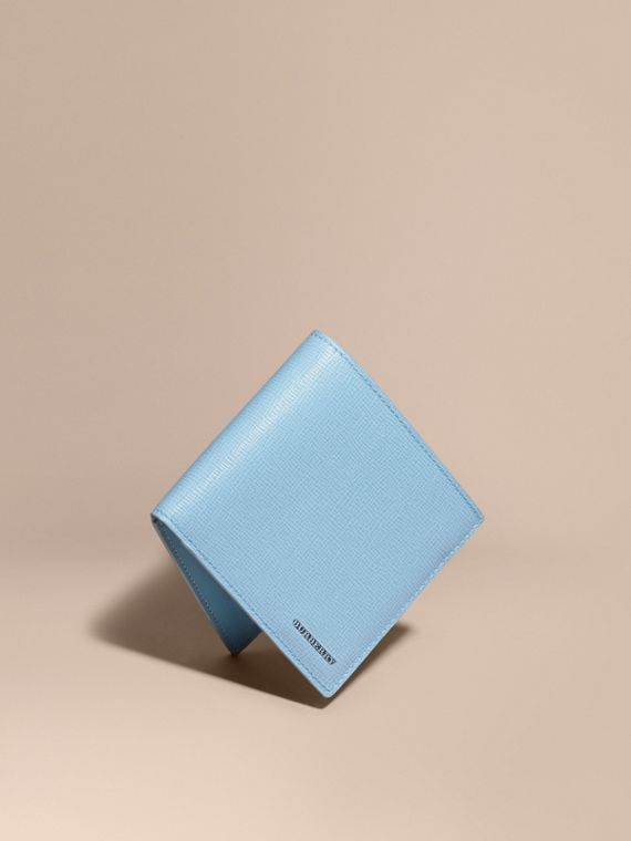 London Leather International Bifold Wallet in Powder Blue