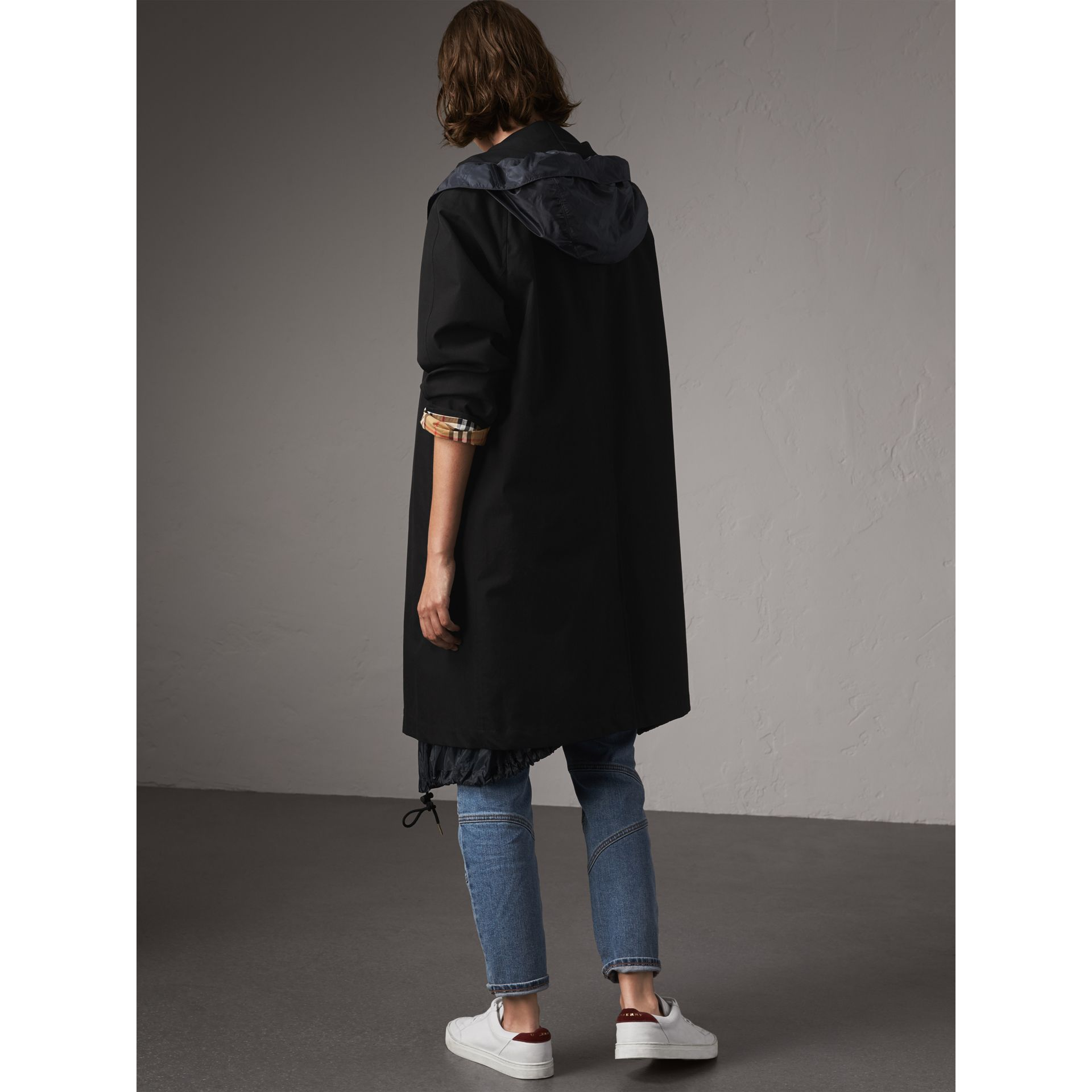The Camden – Long Car Coat in Black - Women | Burberry United States - gallery image 2