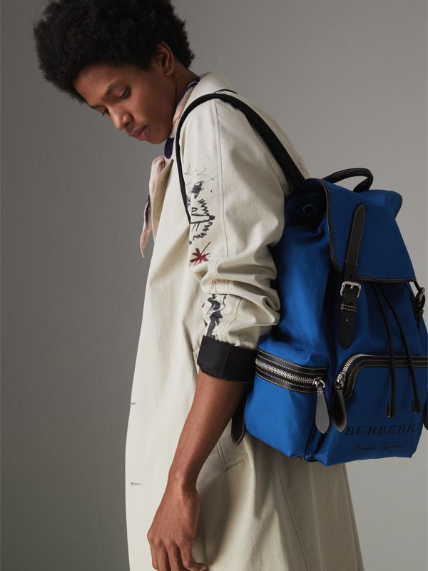 Zaino The Rucksack grande in tela di cotone (Blu  Intenso) - Uomo | Burberry - cell image 2