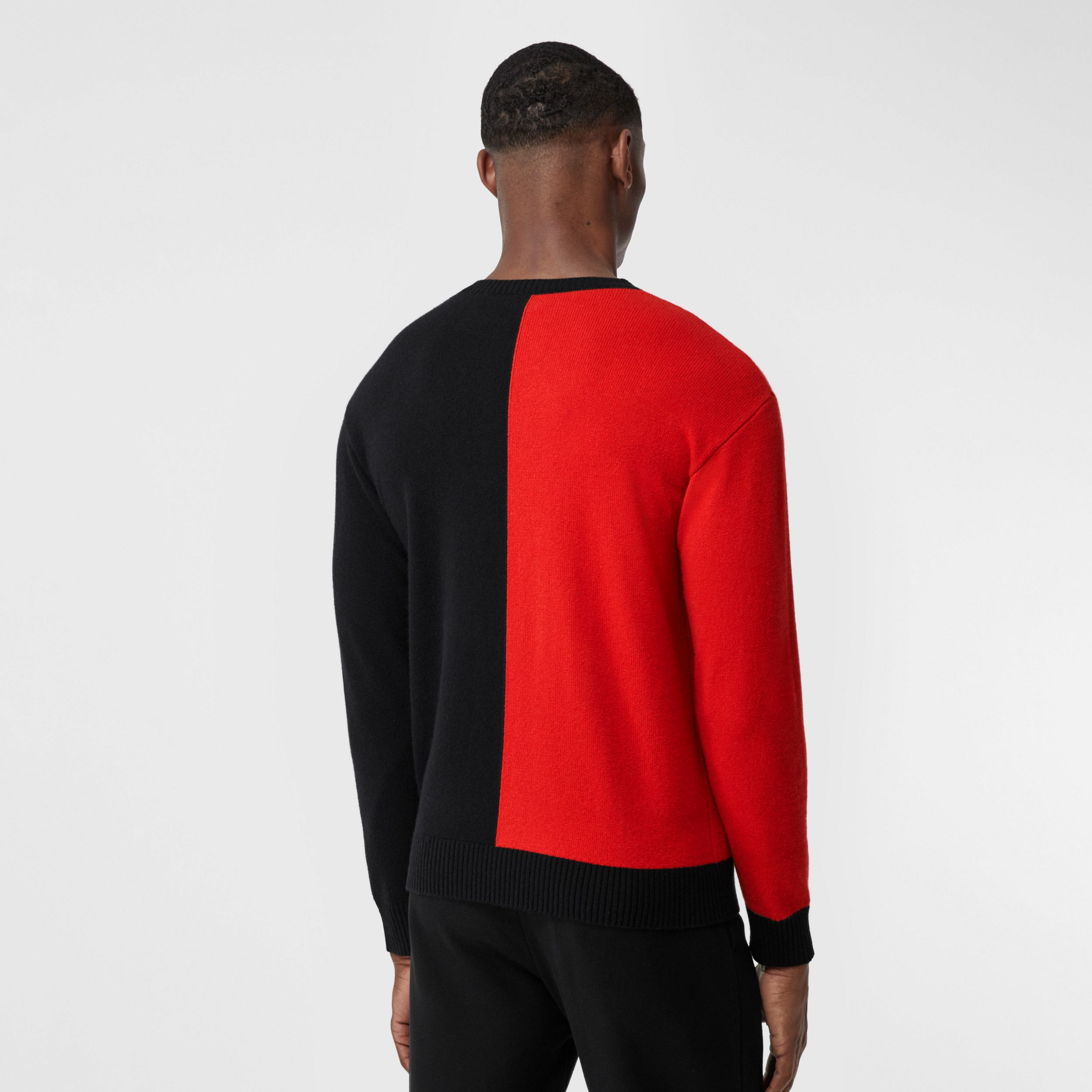 Contrast Logo Graphic Intarsia Cashmere Sweater in Black - Men | Burberry - 3