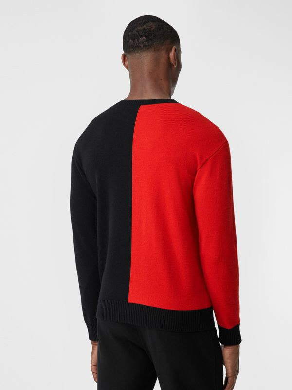 Contrast Logo Graphic Intarsia Cashmere Sweater in Black - Men | Burberry - cell image 2