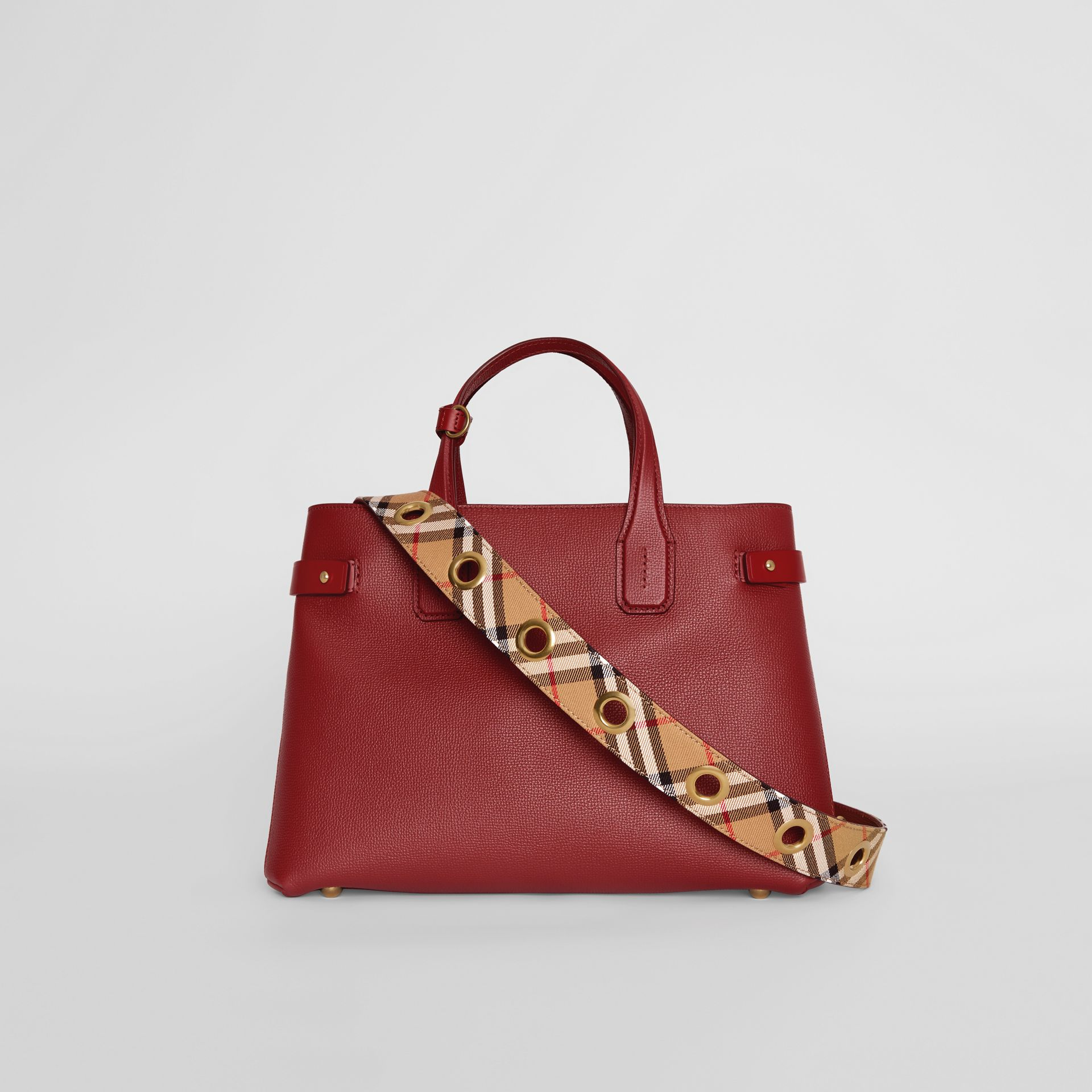 The Medium Banner in Leather with Grommeted Strap in Crimson - Women | Burberry United Kingdom - gallery image 5