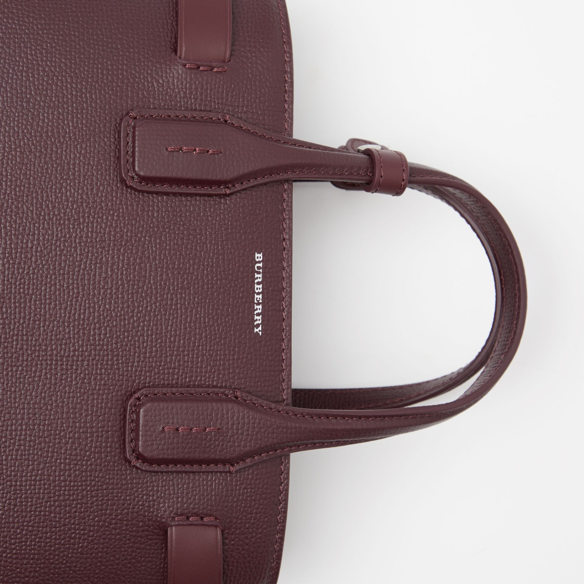 The Small Banner in Leather and Vintage Check in Mahogany Red - Women | Burberry Canada - gallery image 2