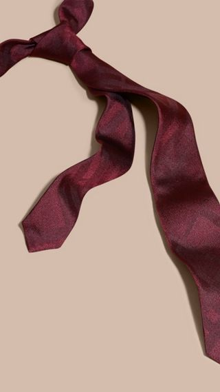 Slim Cut Check Silk Tie