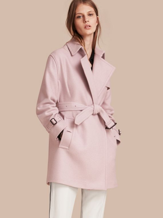 Trench coat estilo wrap de lã