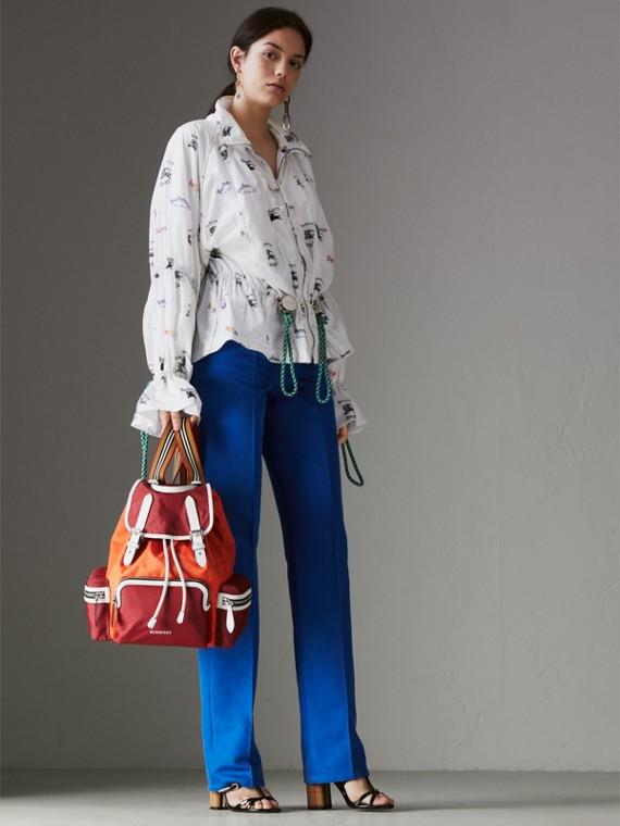 Mochila Rucksack mediana tricolor en nailon y piel (Rojo Desfile) - Mujer | Burberry - cell image 2