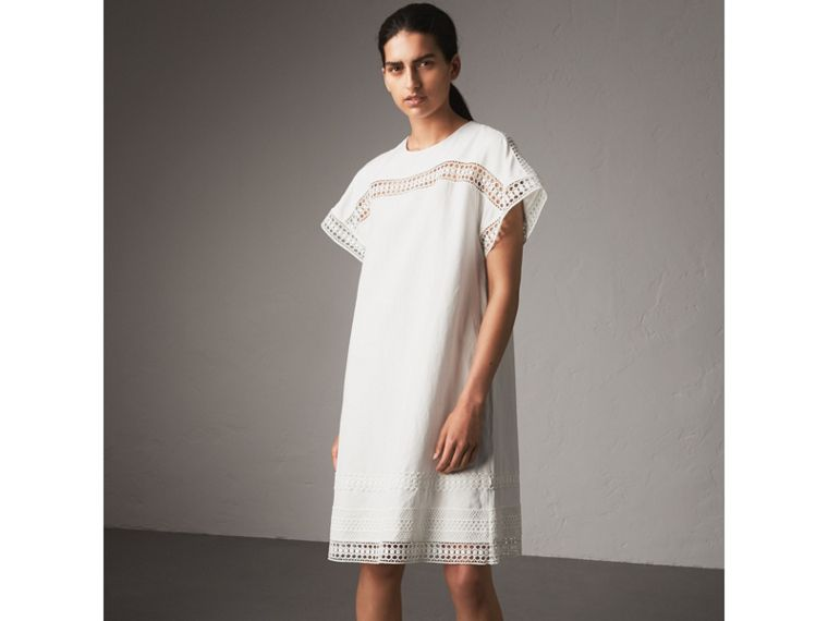 Short-sleeved Macramé Lace Detail Silk Blend Dress in White - Women | Burberry - cell image 4