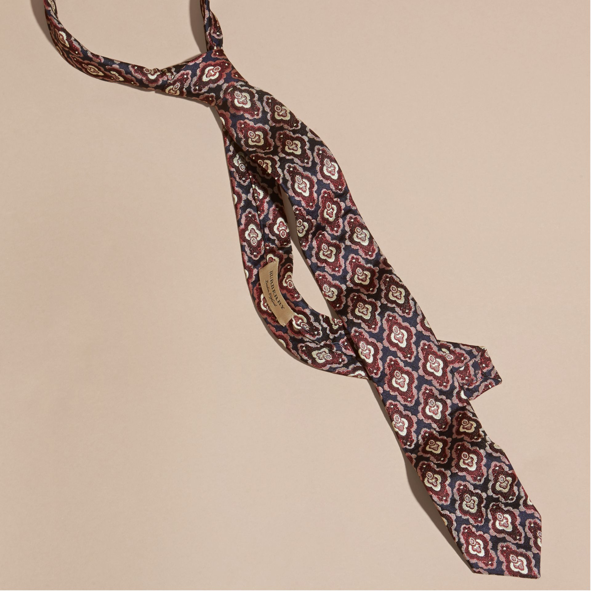 Burgundy red Slim Cut Decorative Jacquard Silk Tie Burgundy Red - gallery image 1