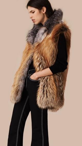 Veste sans manches en fourrure de renard