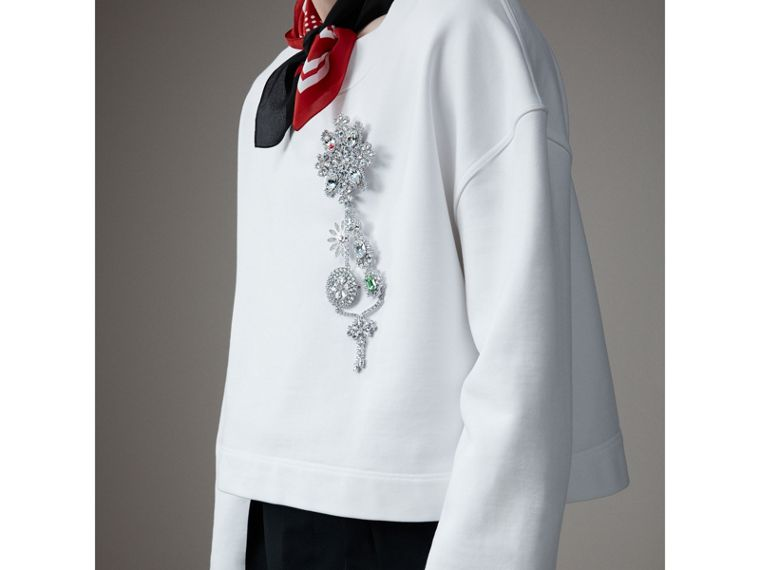 Sweat-shirt court en coton avec broche en cristal (Blanc Optique) - Homme | Burberry - cell image 1