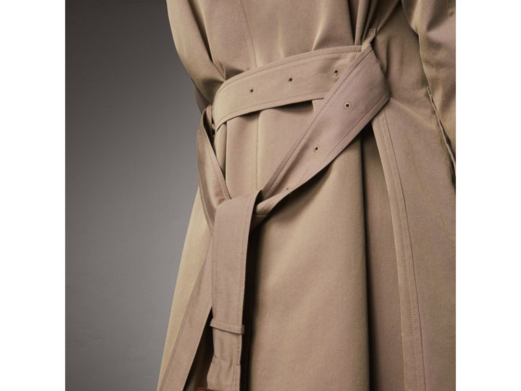 The Brighton – Extra-long Car Coat in Taupe Brown - Women | Burberry Australia - cell image 4