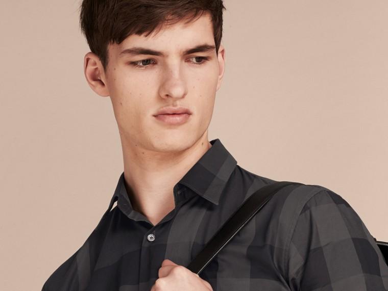 Charcoal Camisa de algodão com estampa xadrez e mangas curtas Charcoal - cell image 4
