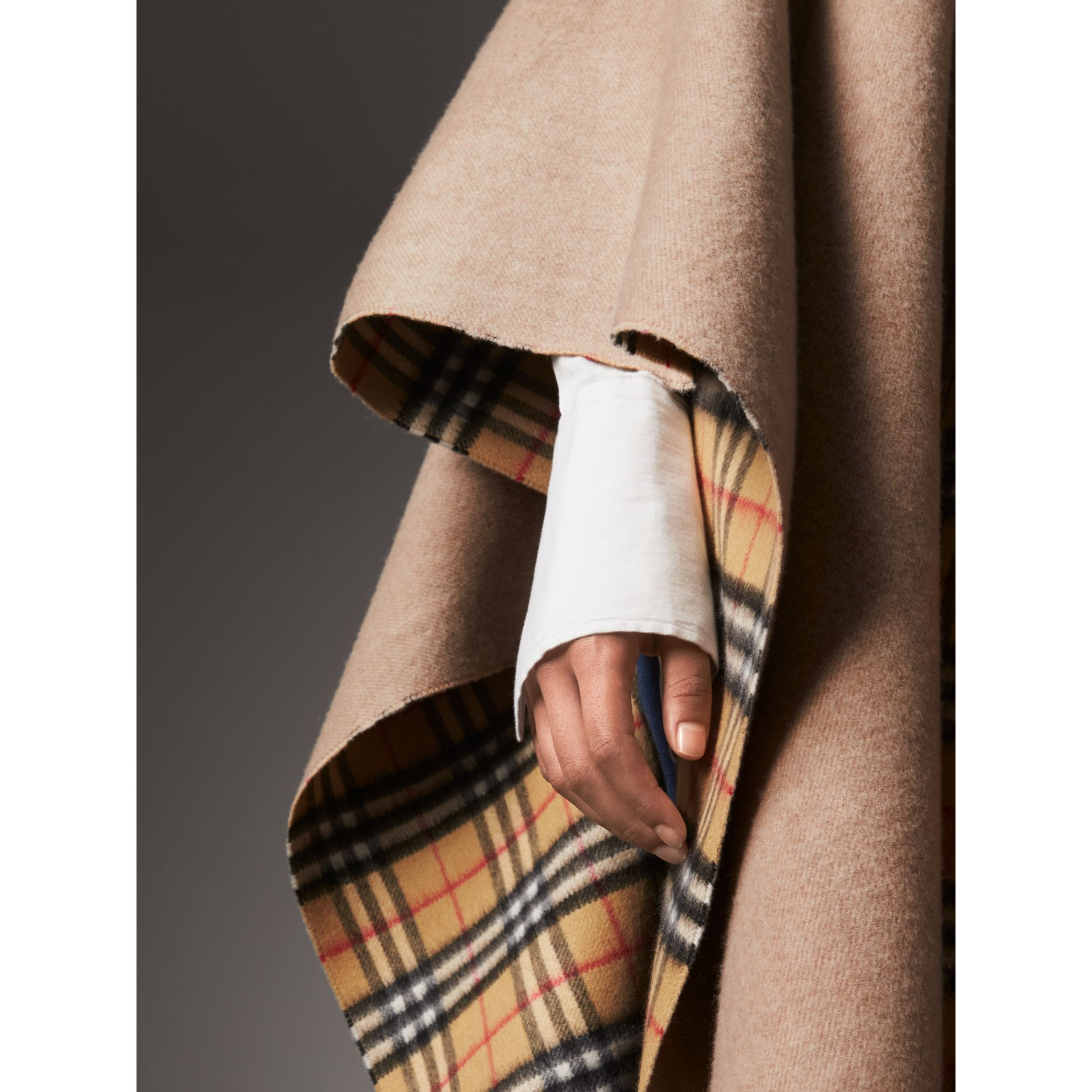Reversible Vintage Check Cashmere Wool Poncho in Sandstone - Women | Burberry - gallery image 2