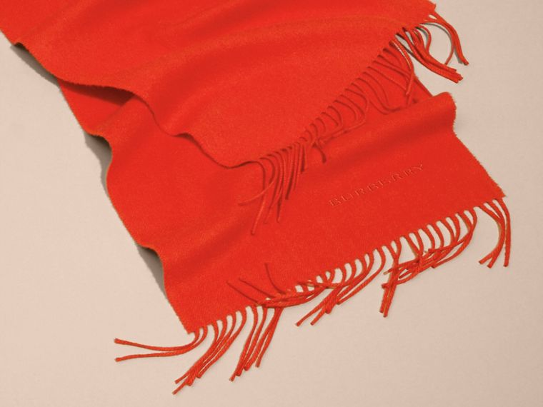 The Classic Cashmere Scarf Bright Orange Red - cell image 4