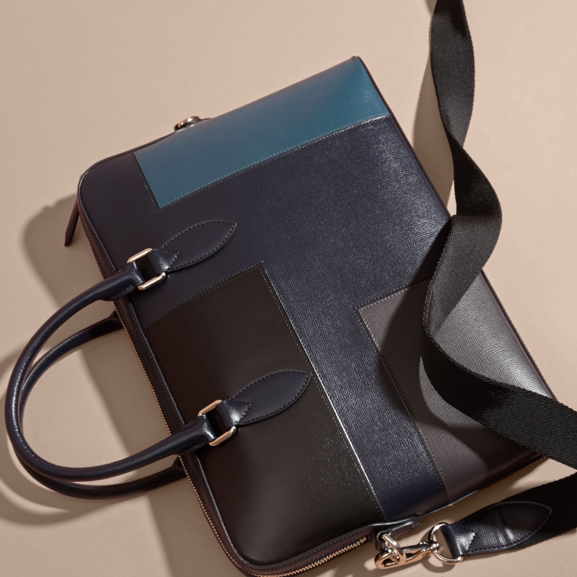 Dark navy The Slim Barrow Bag in Patchwork London Leather Dark Navy - gallery image 5