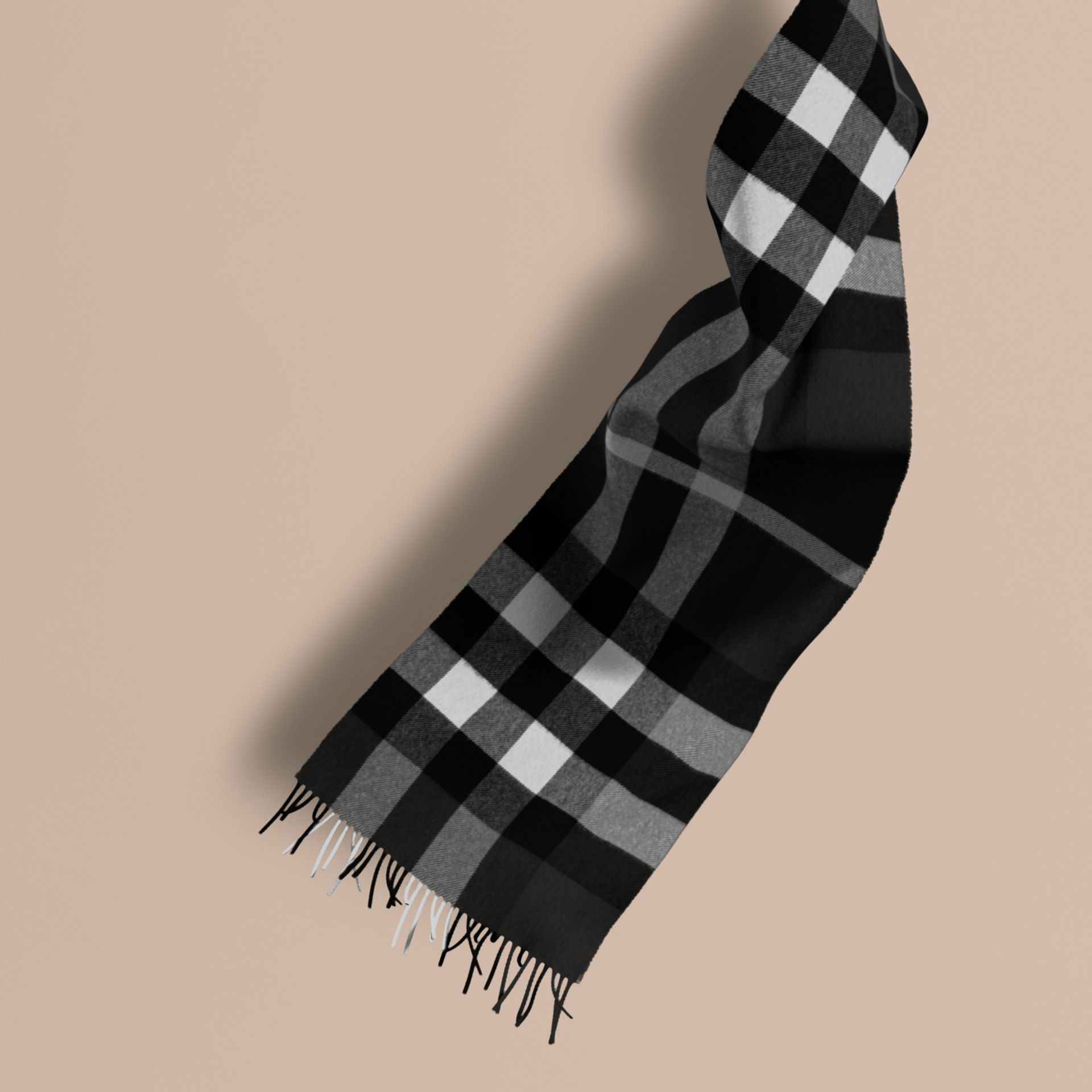 The Large Classic Cashmere Scarf in Check in Black | Burberry - gallery image 1
