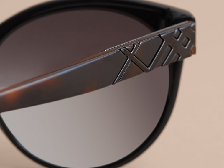 Check Detail Round Frame Sunglasses in Black - Women | Burberry Singapore - cell image 1